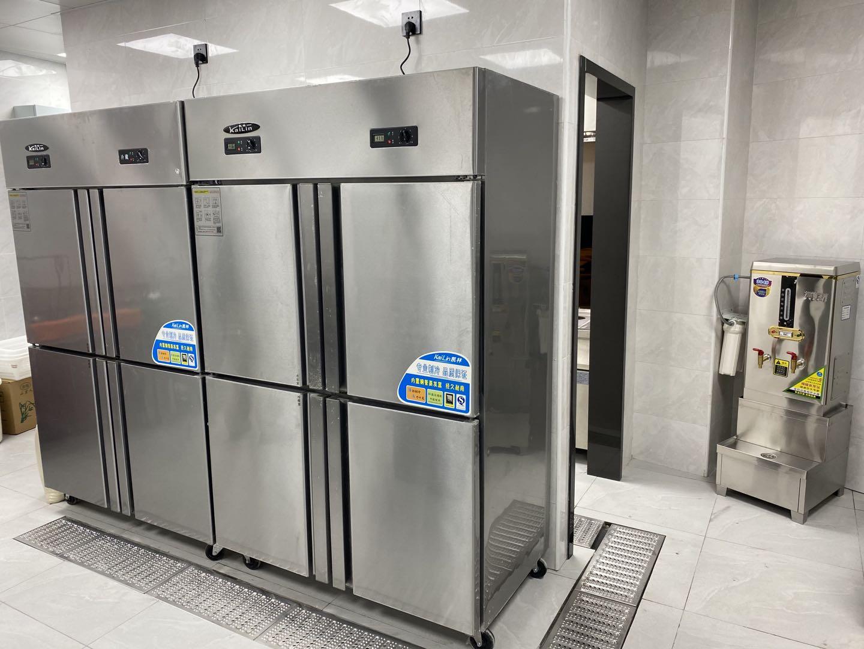 舒也酒店厨房冰箱设备(涞坊路)