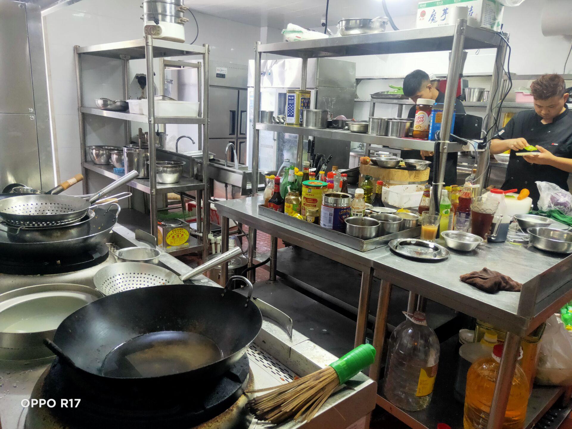蝴蝶轩餐馆(浦卫公路)厨房不锈钢设备