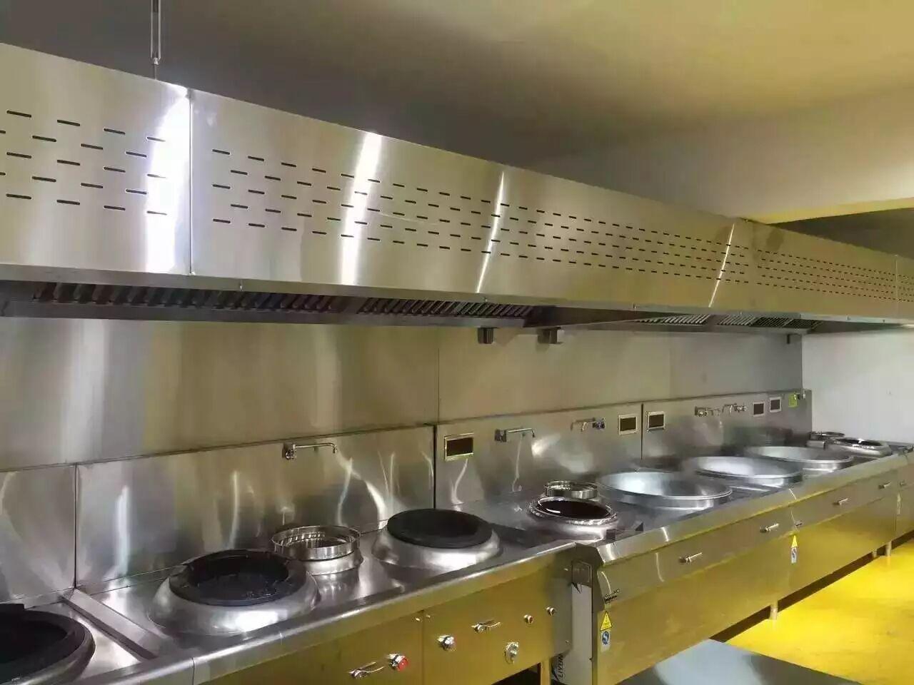 维也纳酒店(奉贤店)厨房不锈钢操作台设备
